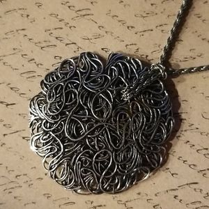 Metal Spaghetti necklace